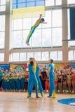 Чемпионат города Kamenskoye в черлидинг среди запевов, дуэтов и команд стоковое фото rf