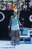 Чемпион Виктория Azarenka грэнд слэм Беларуси празднует победу после круглой спички 4 на открытом чемпионате Австралии по теннису Стоковые Фотографии RF