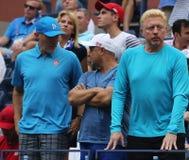 Чемпион Boris Becker r грэнд слэм и ` s Novak Djokovic команда во время США раскрывают финальный матч 2016 на Arthur Ashe Stadium стоковые фото