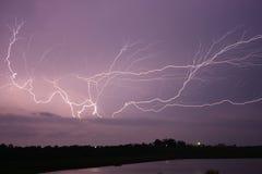 через небо молнии Стоковое фото RF