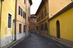 Через улицы Пизы в Италии стоковое изображение