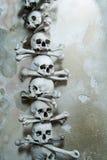 Черепа и косточки в часовне косточки в Kutna Hora, чехии Стоковое Изображение