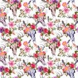 Черепа и цветки оленей картина безшовная акварель Стоковое Изображение