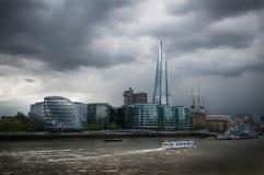 Черепок и здание муниципалитет Лондон Стоковая Фотография