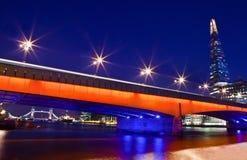 Черепок, мост Лондона и мост башни стоковая фотография rf