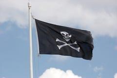 череп флага косточки перекрестный Стоковое Изображение