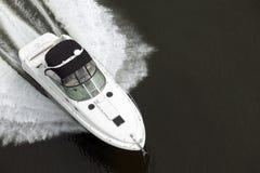 черная белизна быстроходного катера Стоковые Изображения
