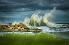 черная волна моря Стоковые Изображения