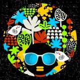 Черная головная женщина в ретро солнечных очках Стоковое фото RF