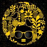 Черная головная женщина в ретро солнечных очках Стоковое Фото