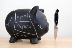 Черная диаграмма свинины копилки с ножом Стоковая Фотография