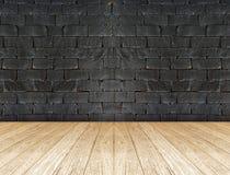 Черная кирпичная стена и деревянный пол Стоковые Изображения RF