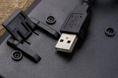 Черная клавиатура компьютера и увеличенный порт USB Acc компьютера Стоковые Изображения