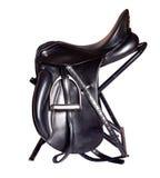 Черная кожаная седловина dressage изолированная на белой предпосылке Стоковое Изображение RF
