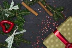 Черная предпосылка рождества или Нового Года с рамкой Стоковые Изображения RF