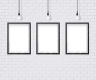 Черная рамка на кирпичной стене Стоковые Фото