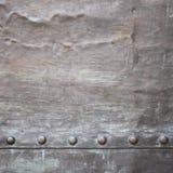 Черная текстура металлической пластины или панцыря с заклепками Стоковая Фотография RF