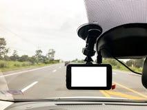 Черная цифровая камера dashcam установленная в автомобиль около зада стоковые фотографии rf