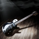 черная электрическая гитара Стоковая Фотография RF