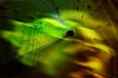 черная дыра водя для того чтобы проложить тоннель желтый цвет Стоковое Фото