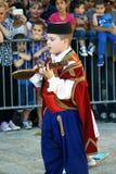 Черногория, Herceg Novi - 04/06/2016: Мальчик в национальном костюме Черногории Стоковые Изображения