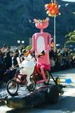 Черногория, Kotor - 03/13/2016: Диаграмма розовая пантера на велосипеде Стоковая Фотография