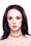 Черное с волосами woman& x27; портрет s Стоковое Изображение