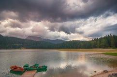Черное jezero Crno озера в национальном парке Durmitor, Черногории Стоковое фото RF