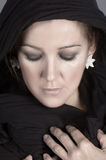 Чернокожая женщина 2 шарфа стоковое изображение