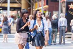Чернокожие женщины в Нью-Йорке Стоковые Фото