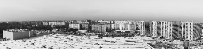 Чернота & белизна панорамы пригорода города Стоковые Фотографии RF
