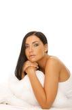 чернота кровати красотки с волосами Стоковые Изображения