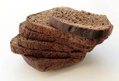 Чернота отрезала хлеб положенный в кучу Стоковое фото RF