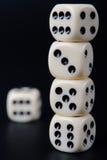 чернота предпосылки dices штабелировано Стоковое Изображение RF