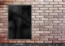 Чернота шаблона комкает плакат на кирпичной стене grunge & тропе g Стоковые Изображения