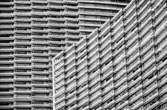 Черно-белая архитектурноакустическая предпосылка Стоковое Фото