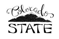 Черно-белая иллюстрация вектора положения Колорадо monochrome шаблон логотипа литерности оформления с текстом и горами Колорадо иллюстрация вектора