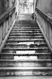 Черно-белая лестница стоковая фотография