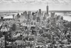 Черно-белое изображение горизонта Нью-Йорка, США стоковое изображение rf