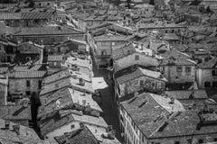 Черно-белый взгляд городка от dei Consoli Palazzo в Gub Стоковые Изображения
