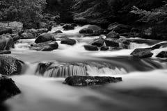 Черно-белый водопад на реке Lyn около Lynmouth Стоковые Изображения