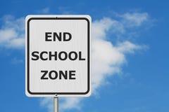 Черно-белый знак зоны школы конца стоковые изображения