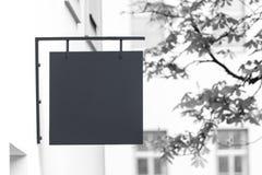 Черно-белый пустой модель-макет signage стоковое изображение rf