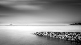 Черно-белый minimalistic seascape Стоковые Изображения