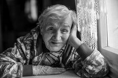 Черно-белая бабушка русского портрета Стоковые Фото