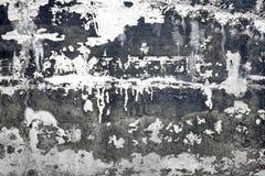 Черно-белая бетонная стена с поврежденным слоем Backgro гипсолита Стоковое фото RF