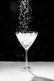 Черно-белая вода падает и брызгает Стоковое фото RF