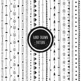 Черно-белая геометрическая картина Безшовное нарисованное рукой Стоковые Изображения RF