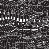 Черно-белая предпосылка контура Орнаментальная этническая картина Стоковая Фотография RF