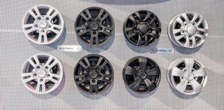 Черно-белые колеса сплава Стоковое Фото